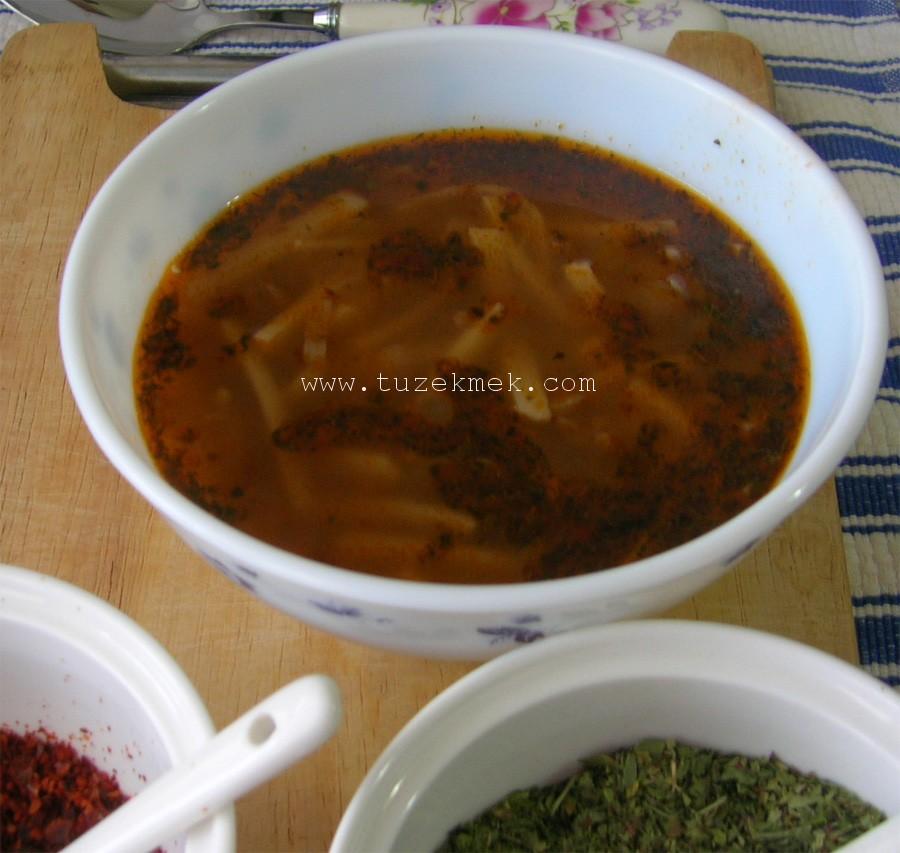 Kızıl Erişte Çorbası