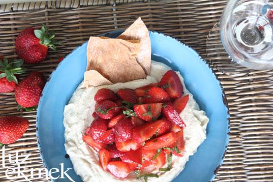 Humusun en güzel hali- Çilek salatalı