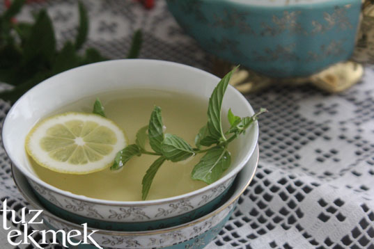 Naneli Yeşil Çay