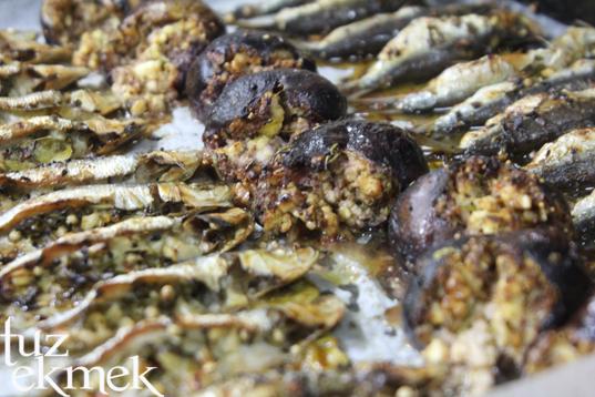 Fırında Sardalya- Lorlu incir dolması eşliğinde