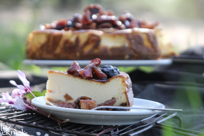 Kuru meyveli cheesecake