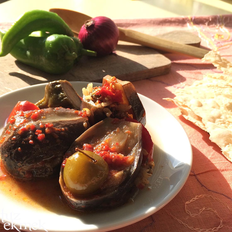 Etli Taze Patlıcan Dolması Tarifi
