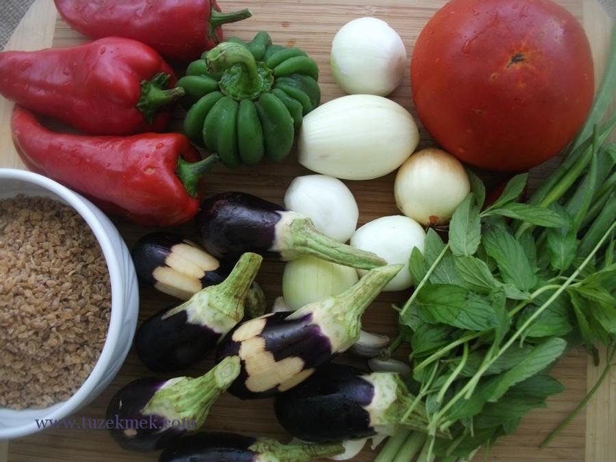 Patlıcanlı bulgur pilavı- Siyez bulguruyla